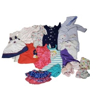 Carters lot  Bundle of Baby girl clothes  size 0-3